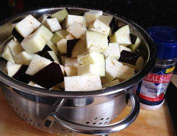 Salting the eggplant
