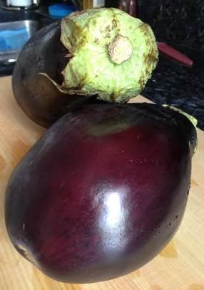 Whole, delicious eggplants